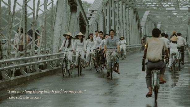 'Em và Trịnh' đóng máy sau 5 tháng ròng rã quay phim