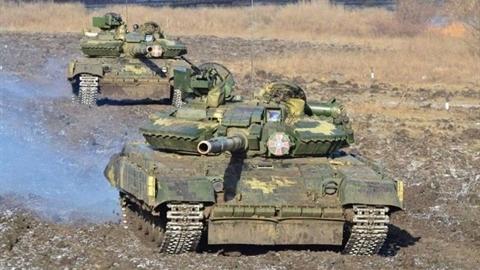 Tại sao Nga cố tình không ngụy trang khi áp sát Ukraine?