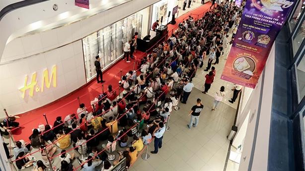 Phản đối hành động của H&M: Sức mạnh người dùng