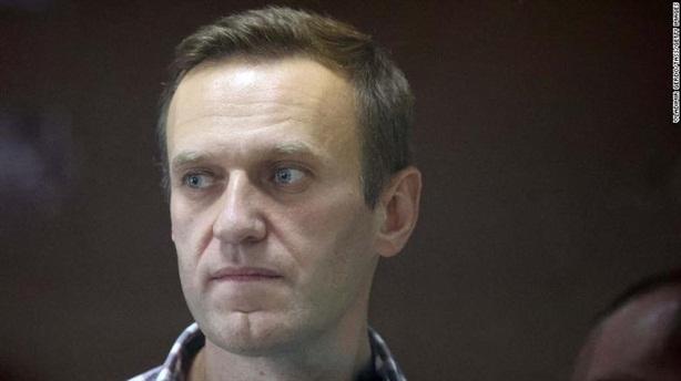 Ông Navalny âm tính với COVID-19, phóng viên CNN về nước