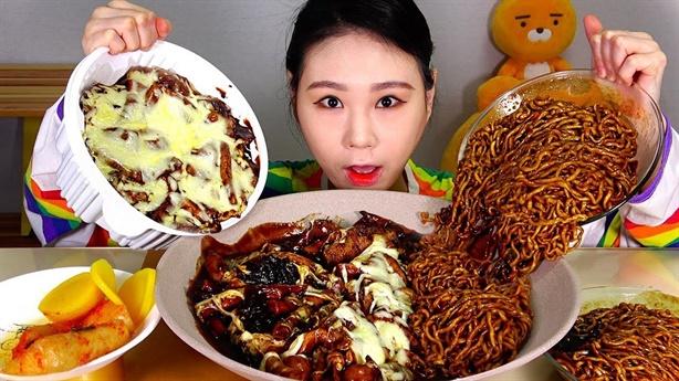Thực phẩm siêu to khổng lồ: Trào lưu sớm nở chóng tàn