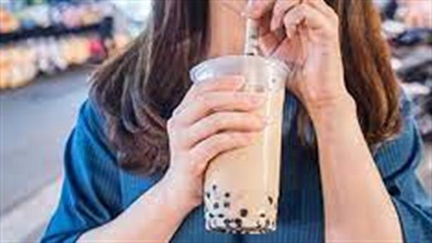 Dùng trà sữa dụ học sinh quay clip: Thêm chuyện giật mình