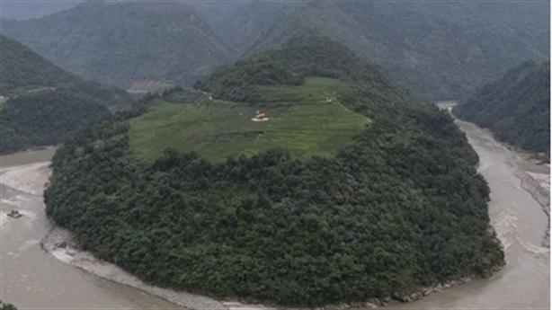 Trung Quốc xây siêu thủy điện, Ấn Độ nói gì?