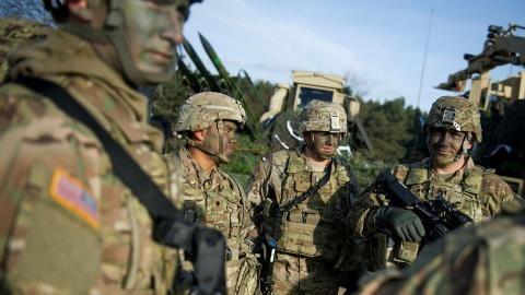 """Nga chưa đủ """"rắn"""" với NATO?"""