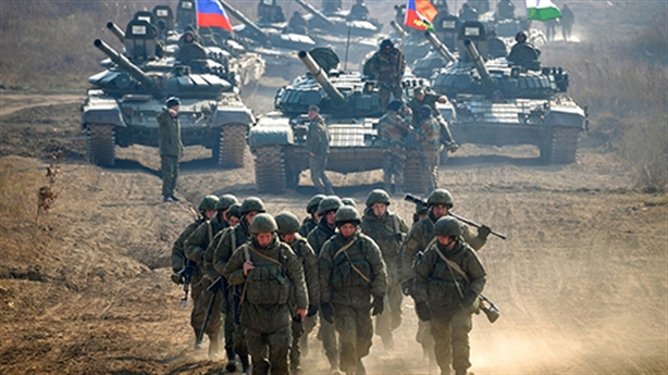 Điều chuyển các quân đoàn nóng theo tình hình Ukraine