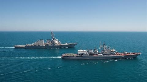 Vì sao tàu Mỹ vào Biển Đen là