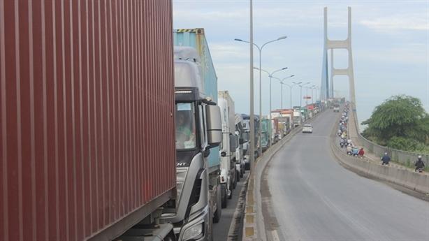 Gần 27.500 tỷ đồng để kết nối cảng biển TP.HCM: Tính kỹ