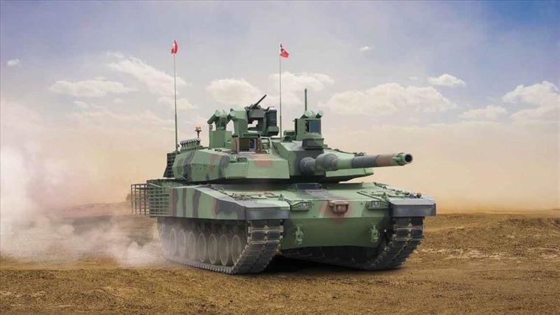 Tuy nhiên, do áp lực từ Mỹ nên nhà thầu Nhật đã rút khỏi chương trình. Hậu quả là những nguyên mẫu tăng Altay của Thổ Nhĩ Kỳ dù đã hoàn thành tất cả các cuộc thử nghiệm nhưng vẫn không thể sản xuất loạt vì không có động cơ.