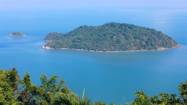 Xây dựng cảng nước sâu Hòn Khoai: Có khả thi...?
