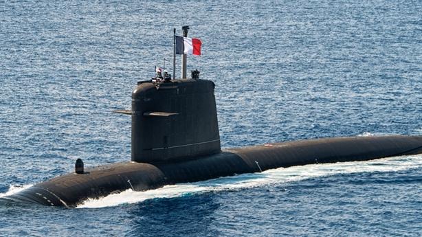 Pháp gây kinh ngạc với ca phẫu thuật ghép tàu ngầm