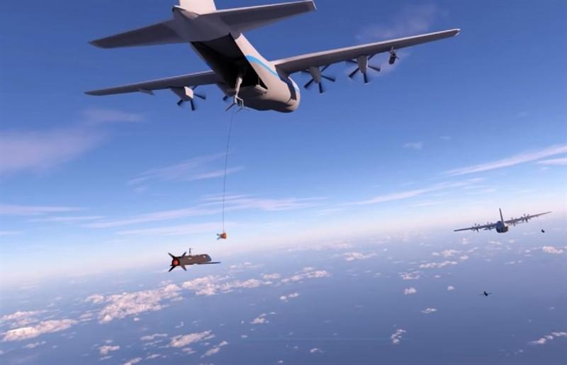 Tính năng đáng sợ nhất của Gremlins chính là khả năng phối hợp tác chiến kiểu bầy đàn khi máy bay mang nó có thể phóng hàng chục, thậm chí hàng trăm Gremlins để mô phỏng tín hiệu của chiến đấu cơ khi thực hiện chiến dịch tập kích quy mô lớn khiến đối phương choáng ngợp.