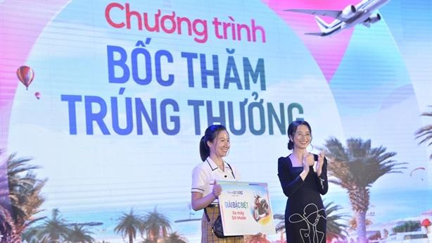 Hàng trăm khách mua sản phẩm NovaWorld Phan Thiết ngày mở bán