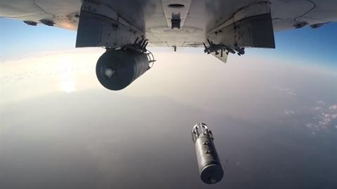 Máy bay Nga tấn công khiến 200 phiến quân thiệt mạng