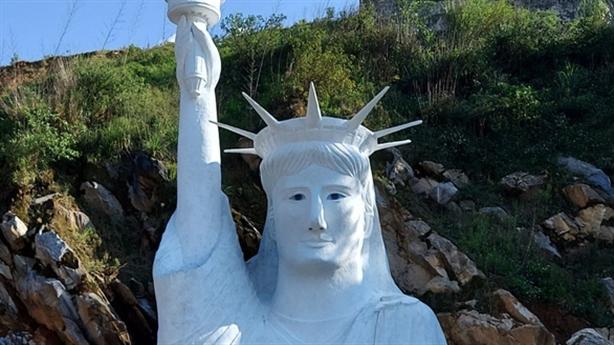 Tượng nữ thần tự do 'phiên bản Sa Pa': Diễn biến nóng