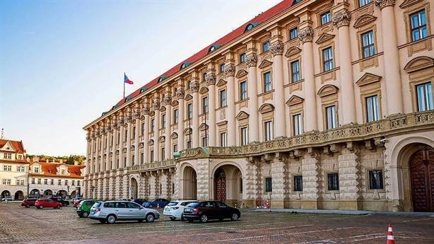Séc trục xuất 63 nhà ngoại giao, Nga nói gì?
