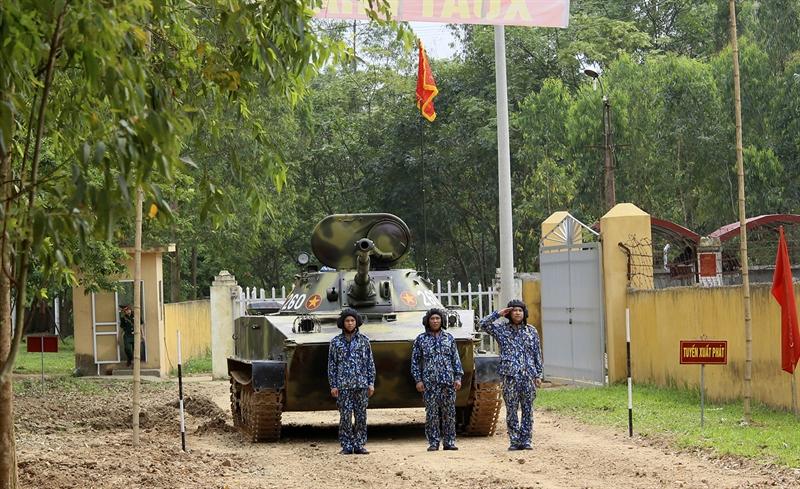 Quân chủng Hải quân có 2 đội tuyển xe tăng PT-76 của Lữ đoàn Hải quân đánh bộ 147, Vùng 1 và Lữ đoàn Hải quân đánh bộ 101, Vùng 4.