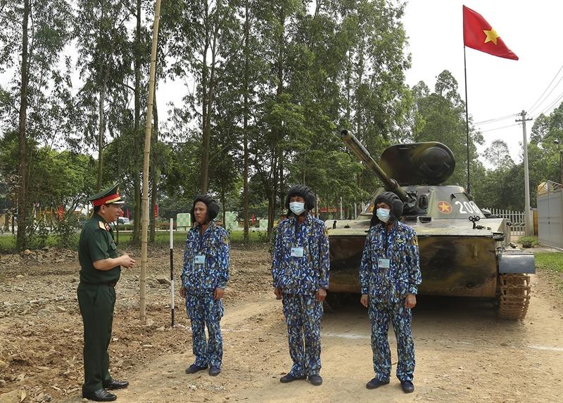 Hội thao với sự tham gia của 15 đơn vị Tăng-Thiết giáp toàn quân và chia thành 2 khối.