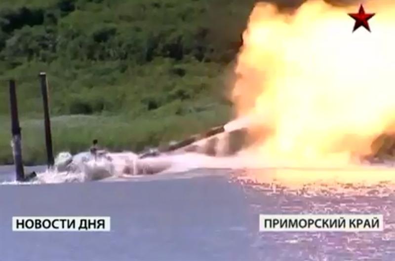 Những chiếc T-72B3 ban đầu được trang bị động cơ diesel V-84-1 nâng cấp có công suất lên tới 840 mã lực, nhưng sau đó Uralvagonzavod đã quyết định trang bị lại cho T-72B3 mẫu động cơ diesel V-92S2F có công suất lên đến 1.130 mã lực.