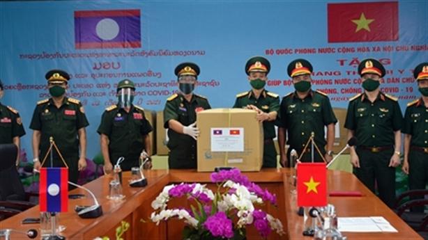 Bộ Quốc phòng cử chuyên gia sang Lào giúp phòng, chống Covid-19