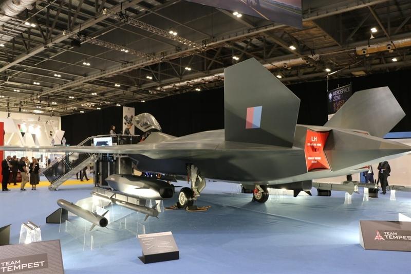 Điều đặc biệt là trong khi chuyên gia Mỹ nói Tempest sở hữu công nghệ tương đương F-35 nhưng RAF khẳng định, chương trình chiến đấu cơ mới này sẽ tạo ra thế hệ máy bay chiến đấu đi trước tiêm kích F-35 của Mỹ, Su-57 của Nga và J-20 do Trung Quốc phát triển một thế hệ.