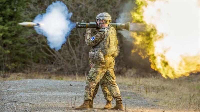 Điều khó hiểu được tờ báo Mỹ đưa ra khi nói về súng chống tăng AT-4 vẫn được sử dụng ở một số đơn vị của Mỹ và được xuất khẩu. \