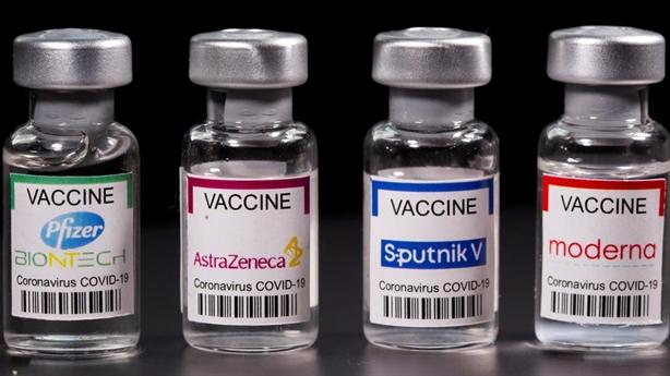 Người Mỹ thiếu lòng tin vaccine, chuyên gia chết sau tiêm Pfizer