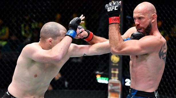 Lão tướng UFC thua sốc đối thủ thay thế
