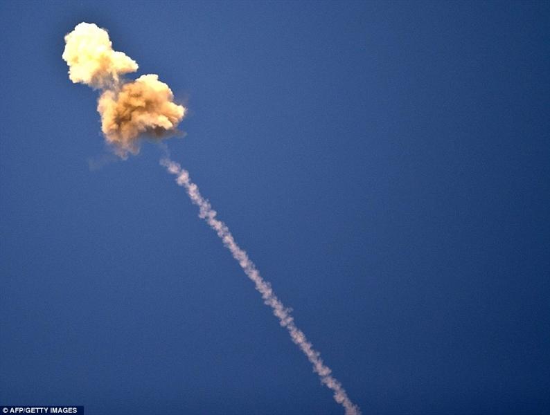 Ngoài ra, Iron Dome còn cho thấy không thể phản ứng trước một cuộc tấn công với cường độ lớn. Ví dụ rõ nhất là vụ đánh chặn tai tiếng của Iron Dome hồi cuối năm 2019 khi đối phó với cuộc tấn công cũng từ Gaza.