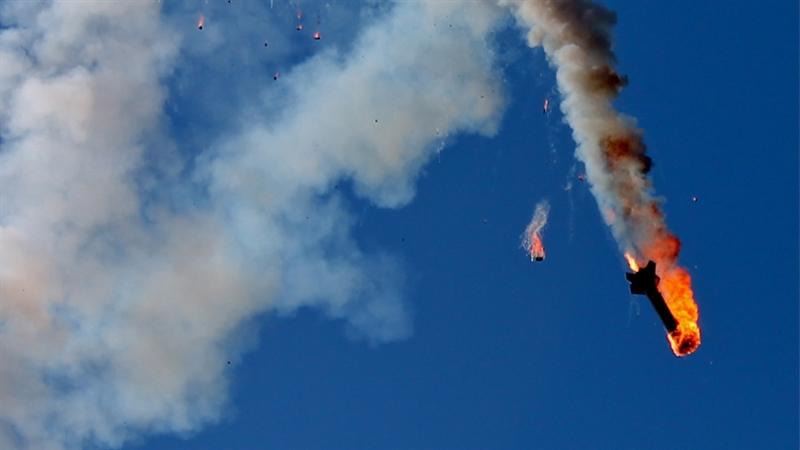 Trong tình huống đó, lực lượng vũ trang từ Gaza đồng loạt phóng hàng chục quả tên lửa khác nhau về phía lãnh thổ Israel. Iron Dome lập tức được kích hoạt để đánh chặn. Nhưng thay vì phóng đạn lên không trung, vũ khí này đã liên tiếp phóng đạn xuống đất.