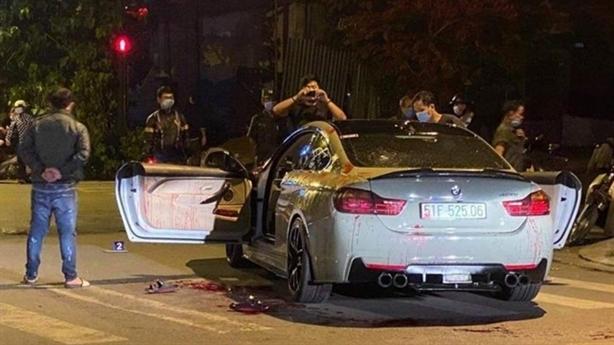 Đi xe BMW nẹt pô to bị đâm: Bài học ứng xử