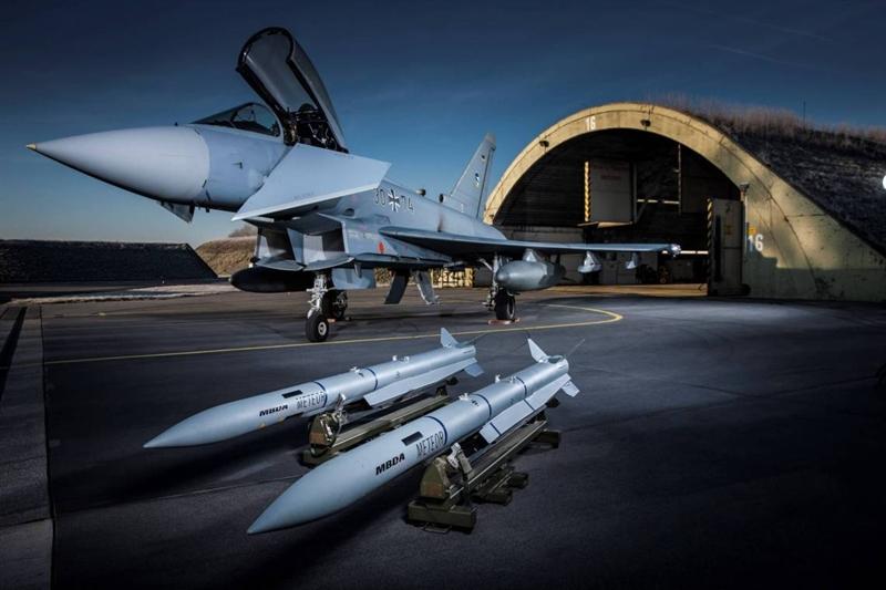 Trong gói nâng cấp này, Đức nâng cấp hệ thống radar và Chương trình tăng cường khả năng linh hoạt (EFEM) - những hệ thống đang gặp vấn đề khó có thể cạnh tranh với tiêm kích Su-35 của Nga.