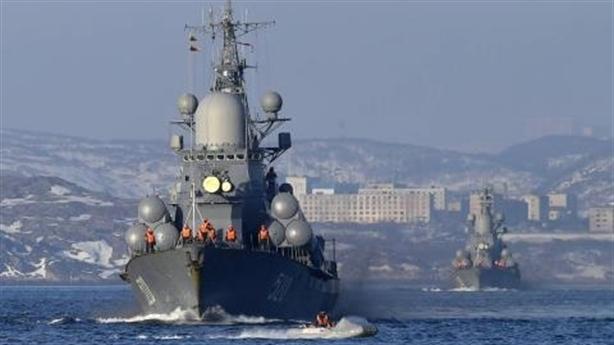Mỹ dồn quân quyết khuất phục Nga?