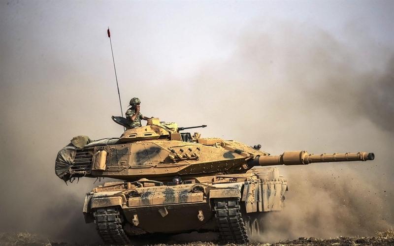 Cùng với tuyên bố trên, nguồn tin này còn cho công bố loạt ảnh về tình trạng thê thảm của những chiếc M60TM. Đây là điều khá bất ngờ bởi theo tuyên bố của lực lượng Thổ Nhĩ Kỳ khi động binh rằng, M60TM sở hữu sức mạnh không hề thua kém T-90A của Nga.