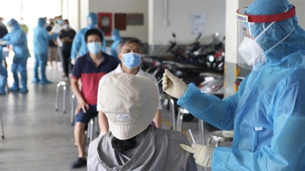 TP.HCM tiếp tục giãn cách, Hà Nội thêm 3 ca nhiễm COVID-19