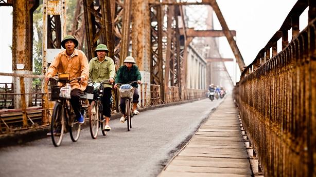 Cầu đường sắt vượt sông Hồng: Di tích phải 'sống'