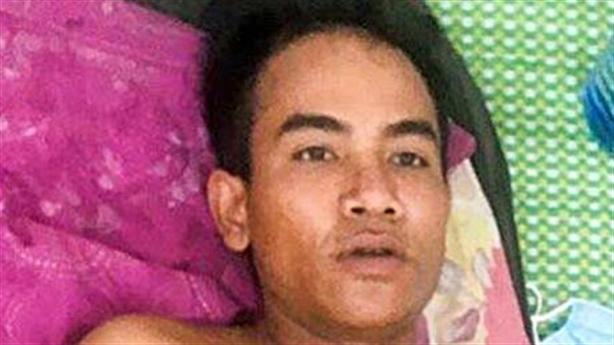 Mâu thuẫn với vợ, cha đâm con 3 tuổi tử vong