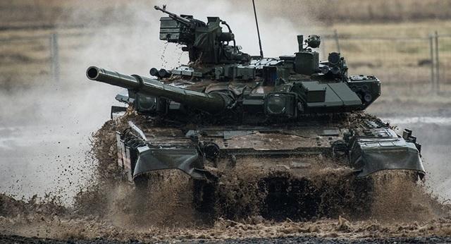 Để đảm bảo an toàn cho những cỗ tăng, Nga cũng đồng thời phát triển và nâng cấp hệ thống bảo vệ chủ động (APS).