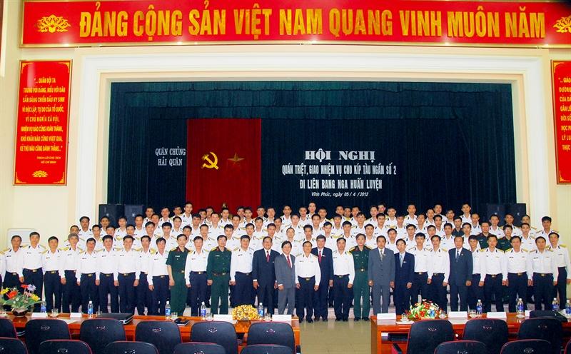 Theo báo Hải quân, việc thành lập Lữ đoàn Tàu ngầm 189 Hải quân được thực hiện theo Quyết định số 2180 của Bộ trưởng Bộ Quốc phòng. (Các đại biểu dự Hội nghị giao nhiệm vụ cho Kíp tàu ngầm số 2 đi huấn luyện tại Liên bang Nga năm 2012 chụp ảnh lưu niệm).