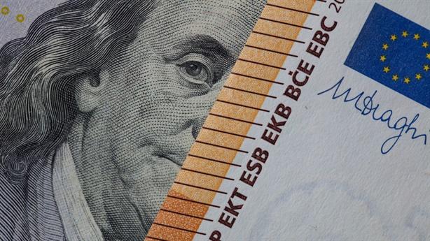 Nga biến USD từ tiền chuyên thanh toán sang chuyên dự trữ