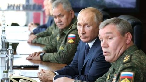 Nga nói về Chiến tranh và Hòa bình