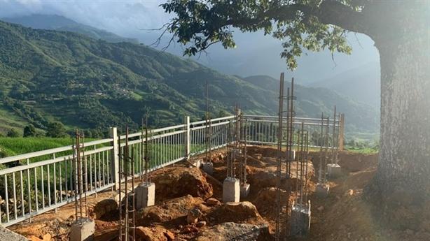 Công trình bê tông tại 'cây song song' nổi tiếng: Phân trần