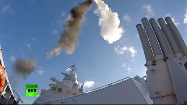 5 chiến hạm Nga bẻ gãy đòn tấn công từ UAV