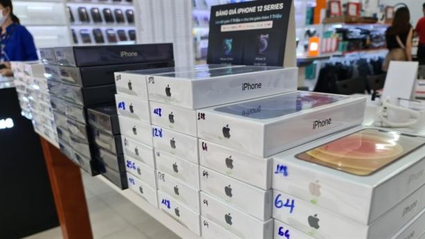 Thu nhập giảm, người Việt vẫn chi nghìn tỷ mua iPhone