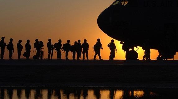 Mỹ rút, Căn cứ không quân lớn nhất Trung Á về ai?