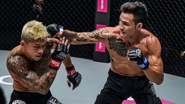 Martin Nguyễn bất ngờ mất đai vô địch vào tay đồng hương