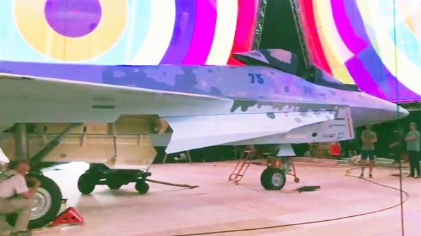 Mỹ chê máy bay tàng hình Checkmate nhái YF-23, X-32