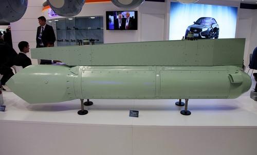 Được biết, tổ hợp trinh sát và chỉ thị mục tiêu 101KS-N là một thành phần quan trọng của hệ thống cảm biến quang - điện tử 101KS Atoll được phát triển riêng cho tiêm kích Su-57. Nguyên mẫu 101KS-N đầu tiên được Nga giới thiệu tại triển lãm hàng không MAKS năm 2015.