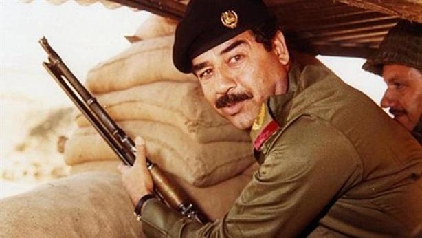 Tranh cãi cuốn kinh Hồi giáo chép bằng máu Saddam Hussein