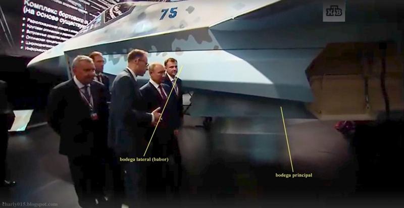Hình ảnh chi tiết về chiếc tiêm kích Checkmate đã được tiết lộ trong video ghi lại hình ảnh Tổng thống Nga Vladimir Putin tham quan các sản phẩm mới của Nga trong ngày khai mạc MAKS-2021 hôm 20/7.