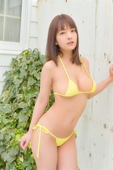 Abe Mikako là một trong những người đẹp được yêu mến nhất làng phim Nhật.